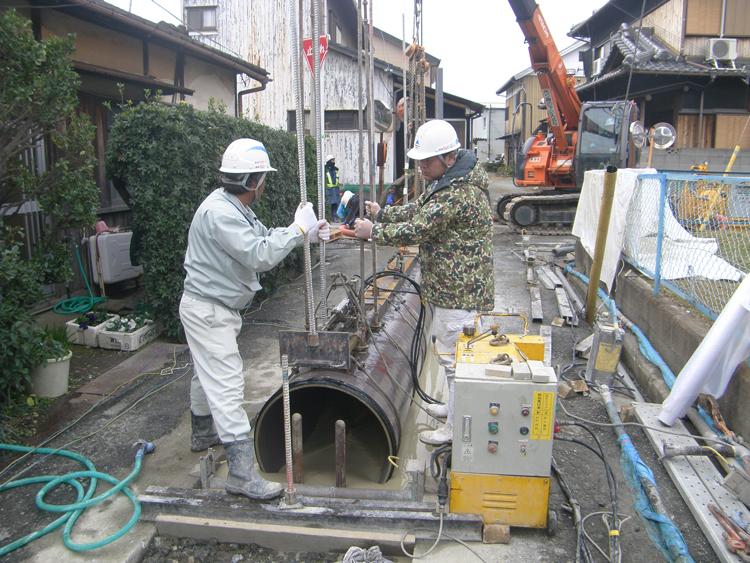 藤白都市下水路132支線管外取付工事